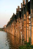 Wooden bridge U Bein in Amarapura city, Mandalay, Mynamar (Burma). — Stok fotoğraf