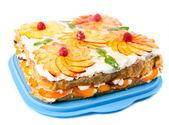 Cake with peaches and raspberries — Stock Photo