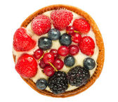 Cake with fresh berries top view — Stock Photo