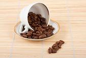 Coppa e chicchi di caffè — Foto Stock