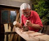 工作用槌木雕和凿子 5 — 图库照片