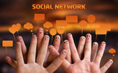 Mutlu parmak suratlar ile konuşma balonları 2 grup — Stok fotoğraf