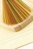 çiğ renkli spagetti — Stok fotoğraf