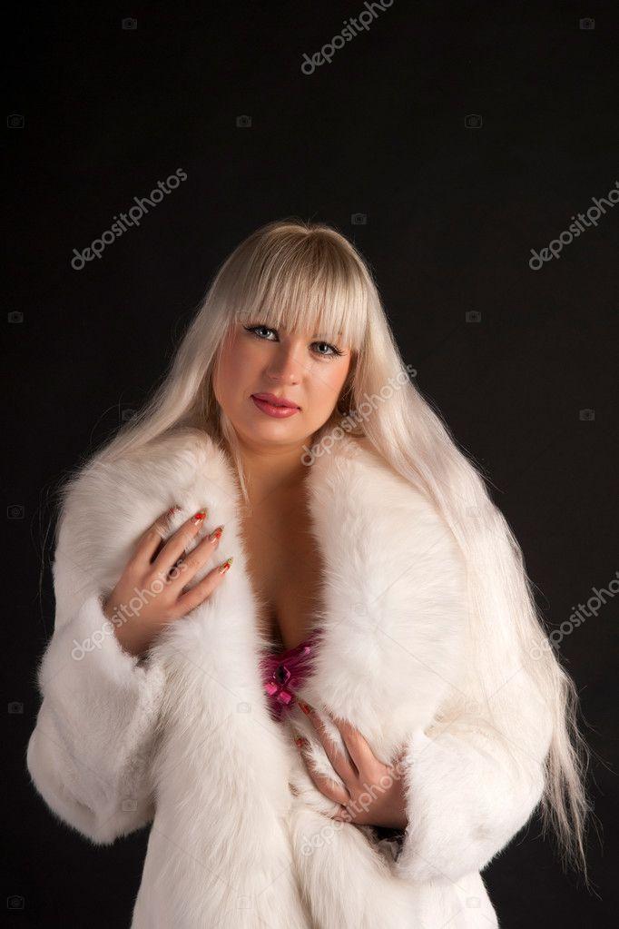 blondinka-v-mehah-fetishizm