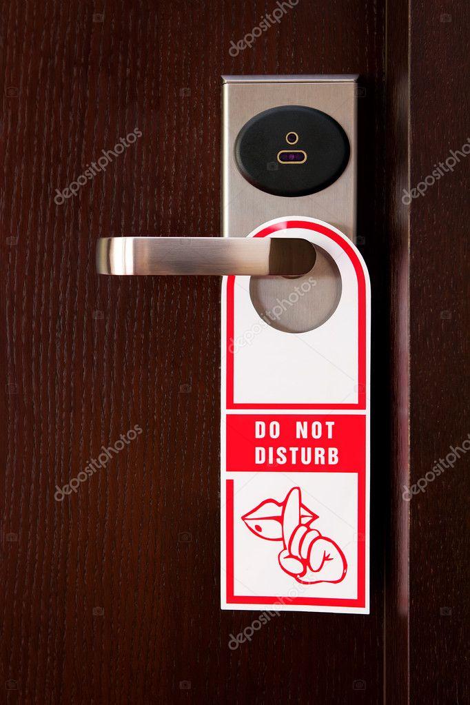 Hotel maniglia della porta con il cartello non disturbare - Hotel della porta ...
