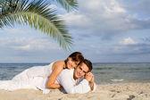 Happy couple on holiday vacation or honeymoon — Stock Photo