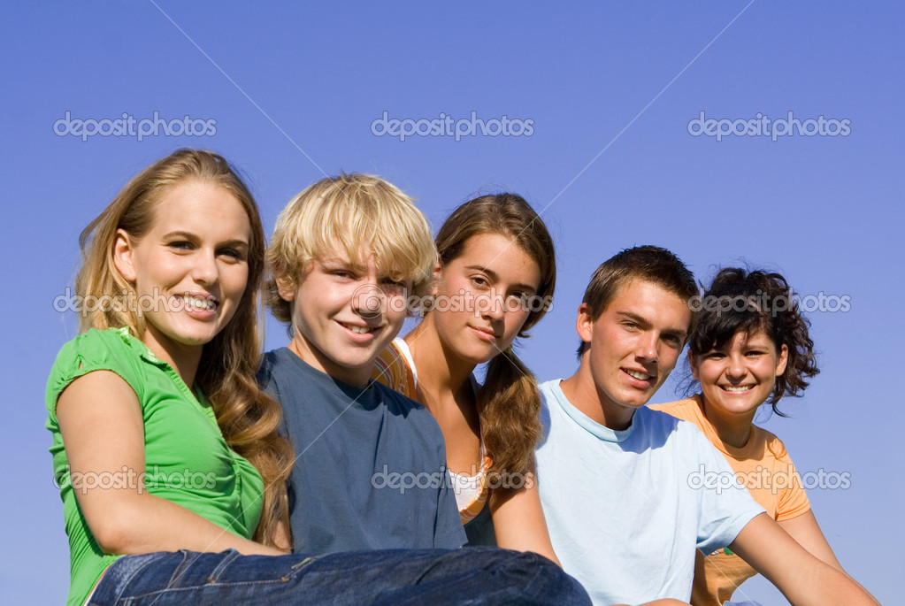 Group of happy smiling, youth — Stock Photo #6361460