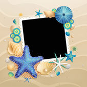 Pictures, shells and starfishes on sand background — Vector de stock