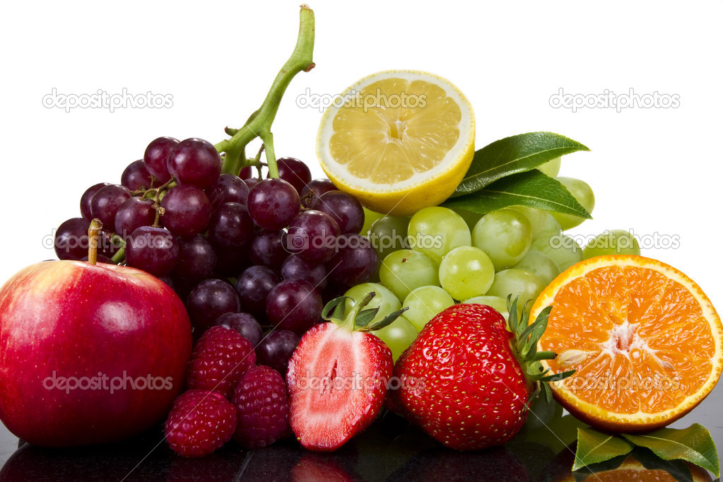 Fresh fruits in reflection isolated over white — Stock Photo #6063156