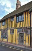Tudor cottage — Stock Photo