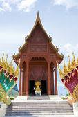 Front of New Modern real teak temple — Stock Photo