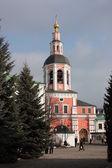 Moscou. mosteiro danilov. portão do templo. — Foto Stock