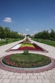"""Moscow. Museum - reserve """"Tsaritsyno"""". Flower Alley. — Stock Photo"""