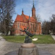 Lithuania, Druskininkai. Catholic Church and sculpture. — Photo
