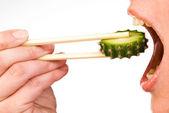 Mangiare la fetta di cactus — Foto Stock