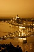 Budapeşte gece manzarası. — Stok fotoğraf
