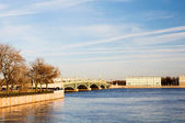 Trinity Bridge and the Embankment Kronverkskaya early spring. St — Stock Photo
