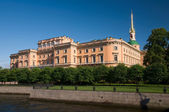 Mikhailovsky Castle, a summer day. Engineers' Castle. St. Peters — Stock Photo