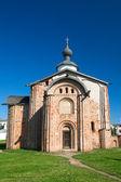 церковь параскевы пятницы на аукционе. великий новгород — Стоковое фото