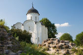 Church of St. George in Staraya Ladoga fortress. Russia — Stock Photo