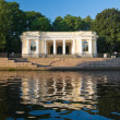 Pavilion pier in Mikhailovsky Garden on shore sinks in 1 — Stock Photo #6254433