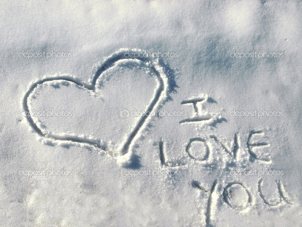 Heart on the fresh snow and love message — Stock Photo #5530545