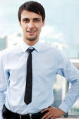Retrato de homem de negócios relaxado jovem — Foto Stock