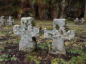 Pedra antiga celta cruzes sobre um cemitério na irlanda por soldados alemães — Foto Stock