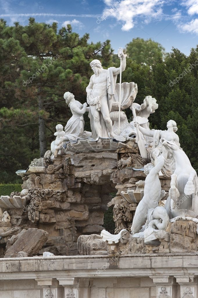 The Neptune Fountain in Schoenbrunn, Vienna, Austria  — Stock Photo #6522456