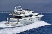 Italien, s.felice circeo, lyx yacht rizzardi posillipo technema 95 — Stockfoto