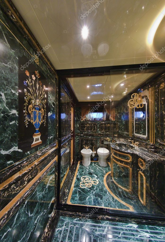 Italy, Tuscany, Viareggio, Tecnomar Velvet 26 luxury yacht (26 meters), master bathroom (marble) — Stock Photo #6491120