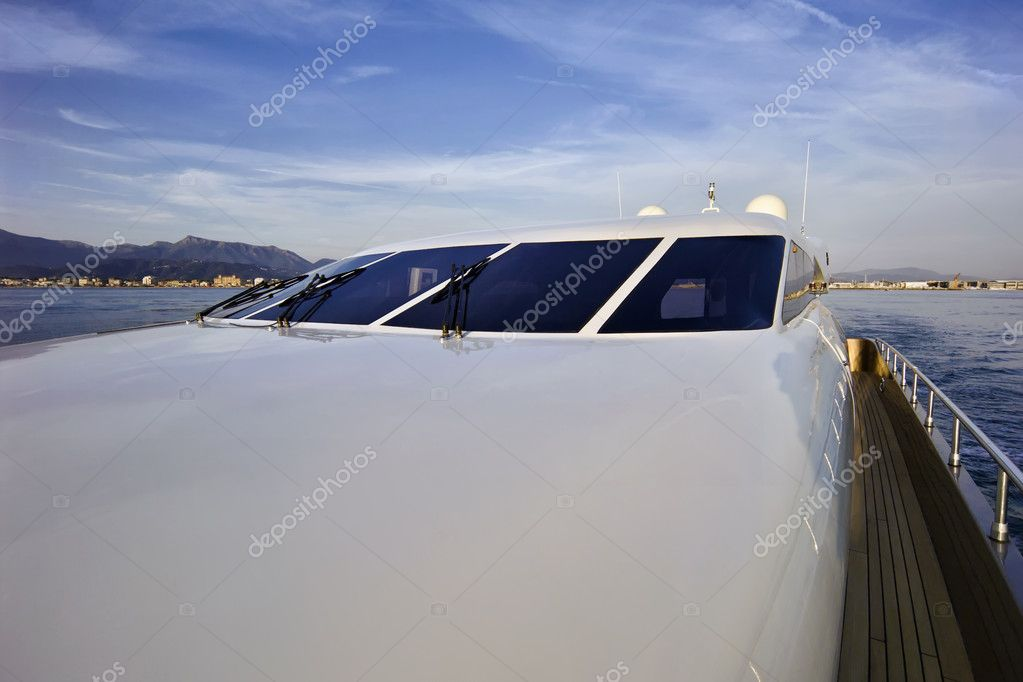 Italy, Tuscany, Viareggio, Tecnomar Velvet 83 luxury yacht — Stock Photo #6549505