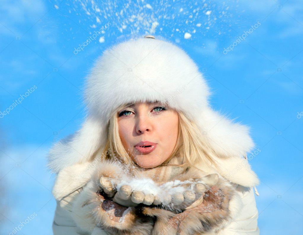 Фото блондинок в белой шапке 6 фотография