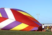 Hot air balloons with bright colors on a hot summer day — Stockfoto