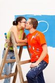 Kiss on the ladder — Stock Photo