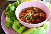 Thaise stijl pittige dipsaus en groenten — Stockfoto