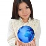 podnikání žena a blue earth — Stock fotografie