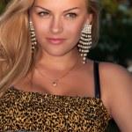 mooi meisje in een glamour stijl — Stockfoto