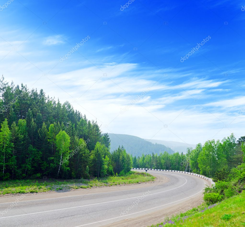 Mountain road and blue sky. — Stock Photo #5969967