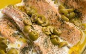Salmon with Dill And Olives — 图库照片
