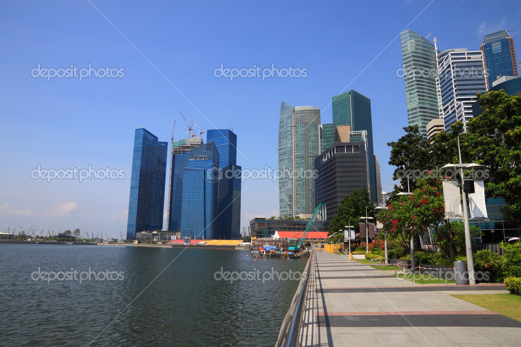 Landscape building and pier of Singapore river. — Stock Photo #6640361