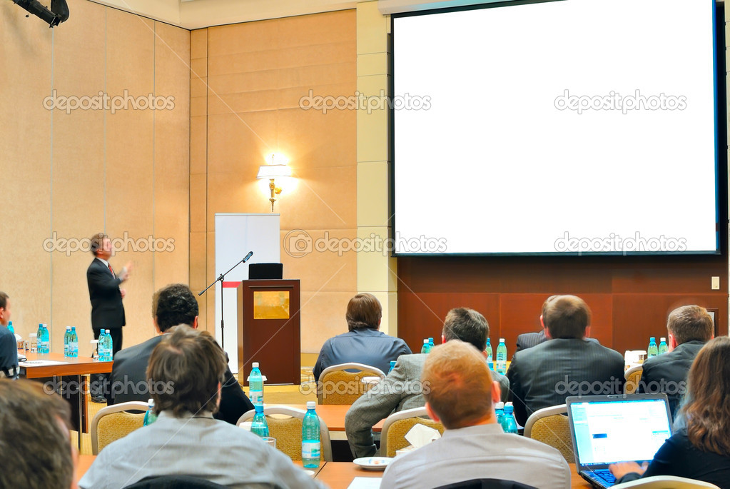Meeting, conference, presentation in aditorium with blank screen — Stockfoto #5797751