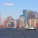 New York City Manhattan skyscrapers and boat — Stock Photo