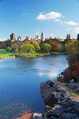 New York City Manhattan Central Park lake Autumn — Stock Photo