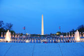Washington monument and WWII memorial, Washington DC. — Stock Photo