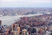 Brooklyn arial blick auf die skyline von new york city manhattan — Stockfoto