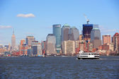 New York City Manhattan skyscrapers and boat — Stock Photo
