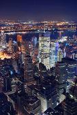 在晚上的纽约城鸟瞰图 — 图库照片