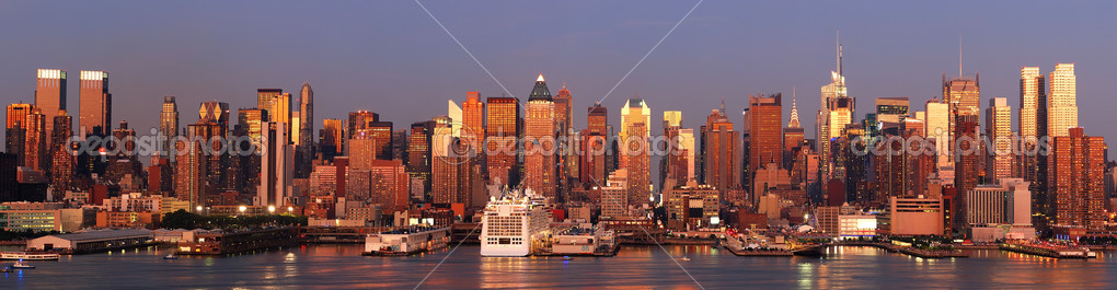 New York City Manhattan skyline panorama at sunset with Times Square and skyscrapers with reflection over Hudson river. — Stock Photo #6571265