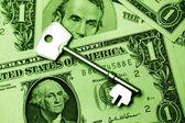Klucz do zysków — Zdjęcie stockowe